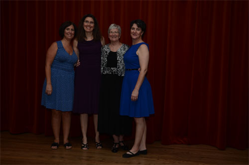 Photo of Dianne and her daughters width=